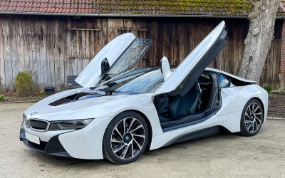 BMW i8 Pure Impulse 2