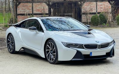 BMW i8 Pure Impulse 3