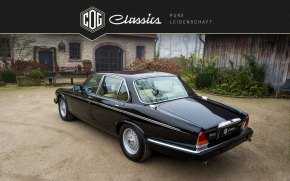 Jaguar Daimler Double Six 14