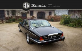 Jaguar Daimler Double Six 15