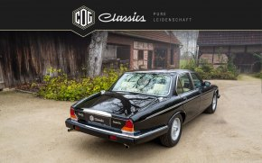 Jaguar Daimler Double Six 44