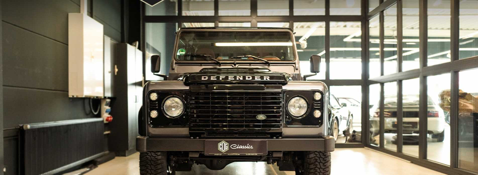 Land Rover Defender 15