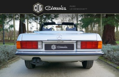 Mercedes-Benz SL 280 R107 3